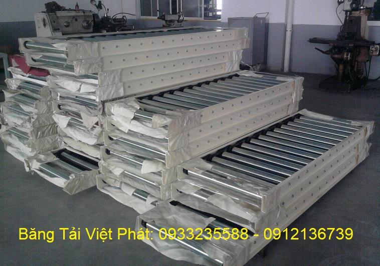 Băng tải con lăn do Băng Tải Việt Phát sản xuất