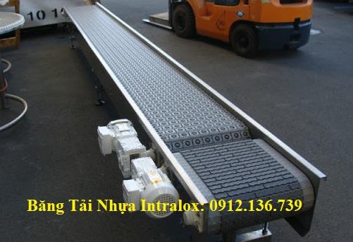 Một cụm băng tải do Băng Tải Việt Phát thiết kế sản xuất, sử dụng băng tải nhựa Intralox