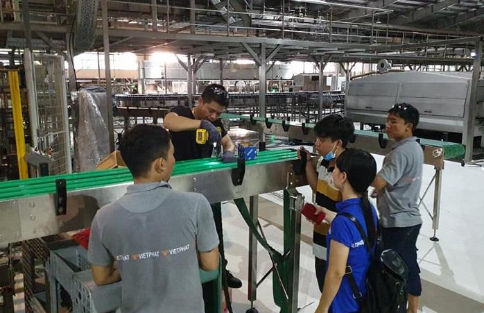 Thi công băng tải xích nhựa tại nhà máy Bia Sài Gòn
