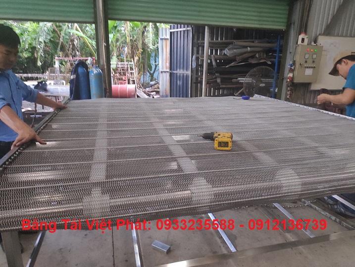 băng tải lưới inox Kinh Đô